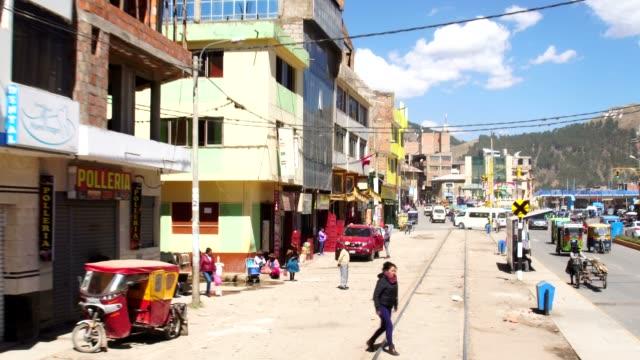 クスコの田舎を通る列車, ペルー - 南アメリカ点の映像素材/bロール
