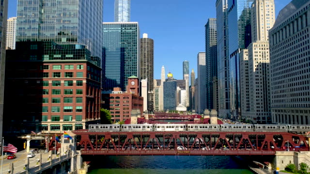 train passing the viaduct in chicago, slow motion - chicago illinois stock videos & royalty-free footage