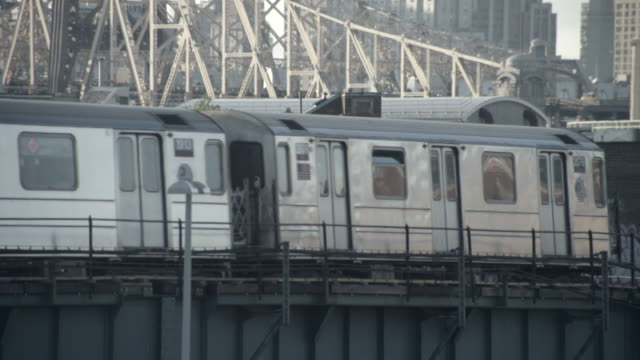 ms 7 train queensboro bridge background - queensboro bridge stock videos & royalty-free footage