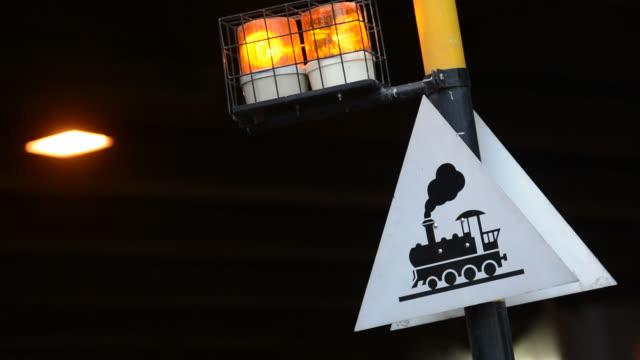 vídeos y material grabado en eventos de stock de señal de tren - equipo de seguridad