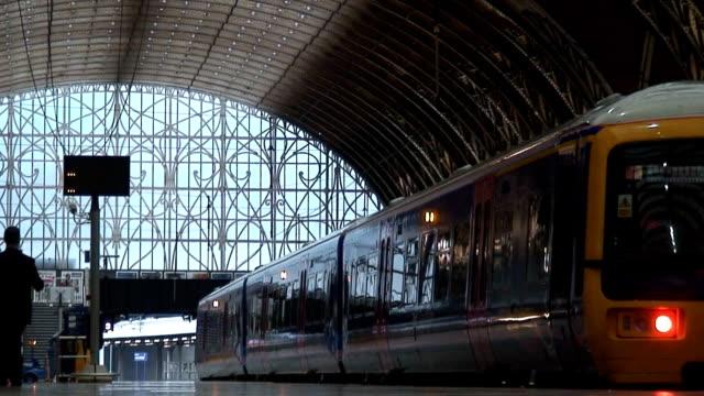 train station - nyttotrafik bildbanksvideor och videomaterial från bakom kulisserna