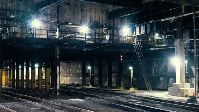 train tunnels under penn station - zoom out - nyc 2021 - new york city penn station stock videos & royalty-free footage