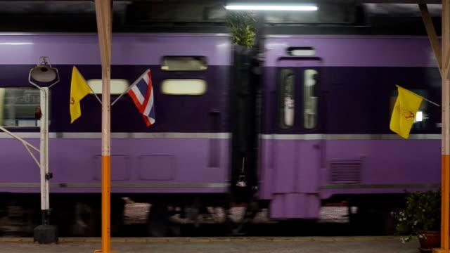 vidéos et rushes de train - car