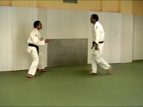 トレーニングの武術から柔道 - 柔道点の映像素材/bロール