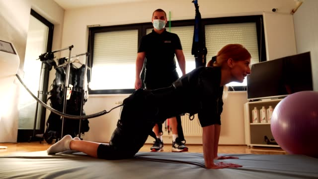 emsトレーニング - 電極点の映像素材/bロール