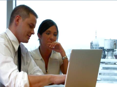 trainning セッション - employee engagement点の映像素材/bロール