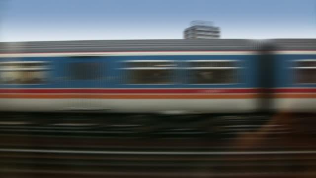 Treni e città (Londra, Inghilterra