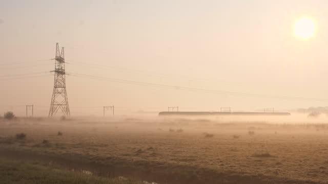 tåg i dimman - scenics bildbanksvideor och videomaterial från bakom kulisserna