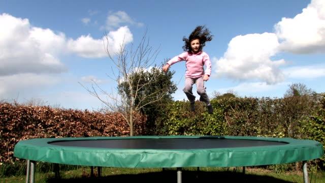 stockvideo's en b-roll-footage met trampoline - trampoline
