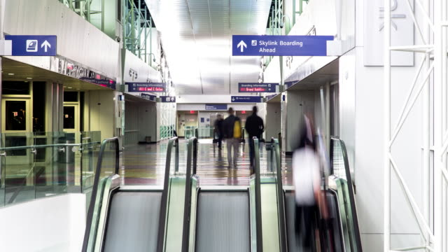 transit at international airport - timelapse - dallas fort worth airport stock videos & royalty-free footage