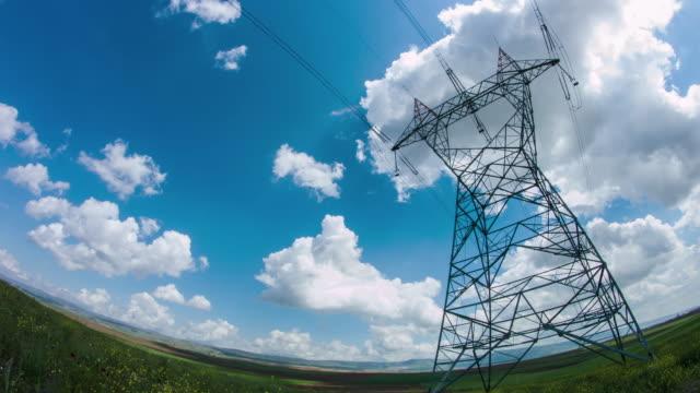 Übertragung Türme und Stromleitungen