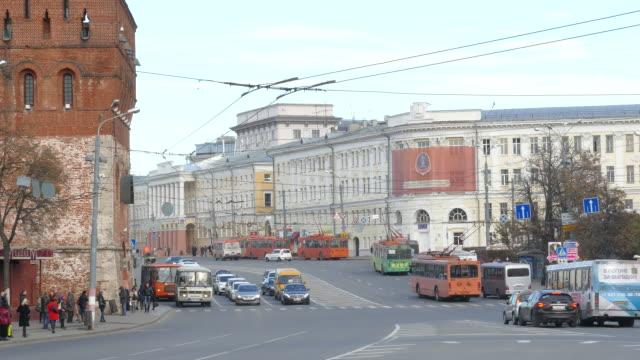 russia. novgorod - 2015: 4k v transport in the city - trolleybus stock-videos und b-roll-filmmaterial