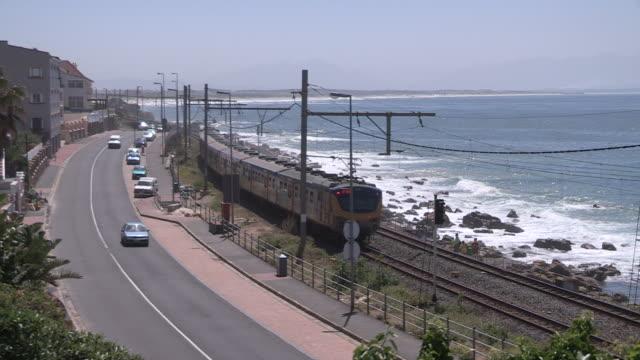 vídeos de stock, filmes e b-roll de ws transport infrastructure in western cape province, south africa - um do lado do outro