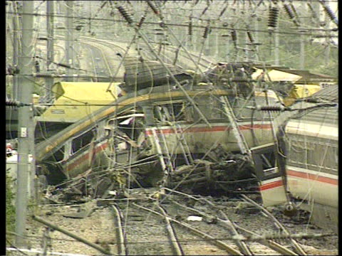 vídeos y material grabado en eventos de stock de rail train guards strike over safety lib london southall gvs aftermath of southall train crash with emergency services around - accidente de tren