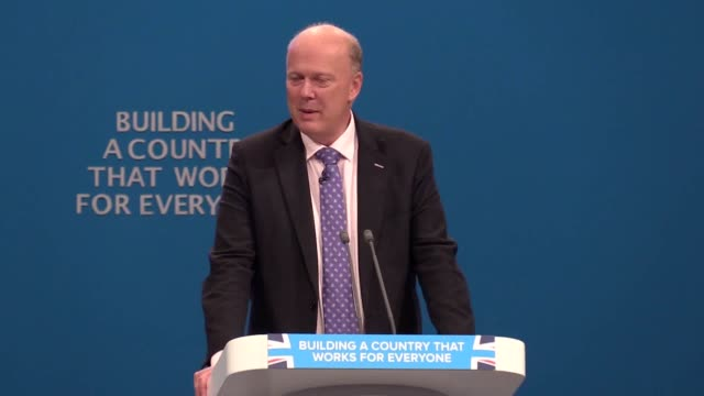stockvideo's en b-roll-footage met transport secretary, chris grayling, on the government's repatriation scheme that aims to bring home those stranded by the collapse of monarch... - repatriëring