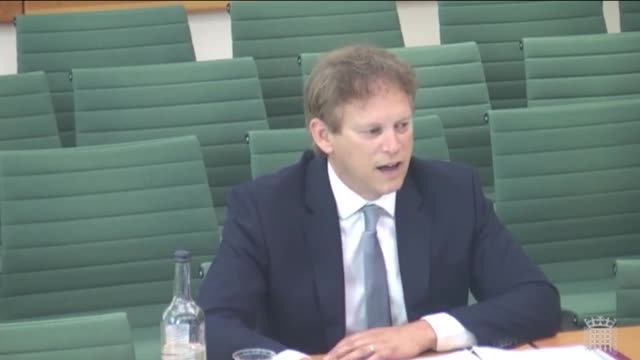 transport secretary grant shapps is questioned on the use of electric cars at a commons select committee mr shapps explained that analysis by the... - alternative energy stock videos & royalty-free footage