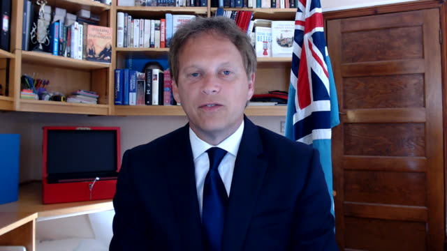 """vidéos et rushes de transport secretary grant shapps saying travel is not as reliable as it once was after coronavirus quarantine rules were imposed on british... - """"bbc news"""""""