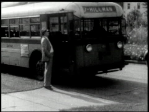 vídeos de stock e filmes b-roll de transportation (bus, truck, taxi) - 5 of 10 - 1946