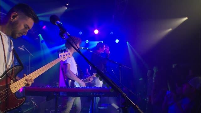 vídeos y material grabado en eventos de stock de trapdoor social brought their alternative rock sound to the jbtv stage with their song 'death of a friend' - montaje documental