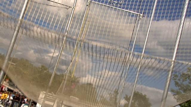 trapezkünstler - künstlerischer beruf stock-videos und b-roll-filmmaterial