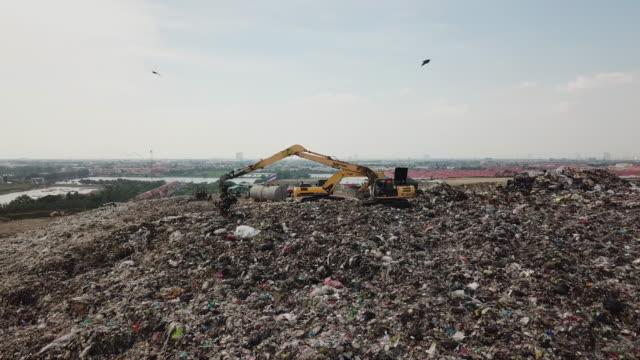 ゴミ、廃棄物汚染 - 埋め立てごみ処理地点の映像素材/bロール