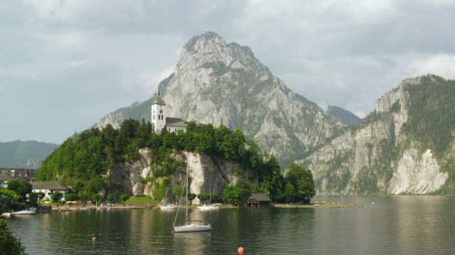 WS Traunkirchen with Johannesbergkapelle (St. John's Chapel dating from1356) and the Traunstein mountain in background