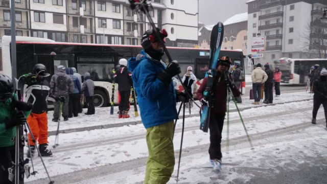 travel across europe on high covid19 alert shows view of chamonix tourists skiing voxpops with tourists in town driving on motorway to geneva... - ski lift stock videos & royalty-free footage