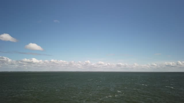 travel by ferry through the wadden sea from havneby to sylt - tina terras michael walter 個影片檔及 b 捲影像