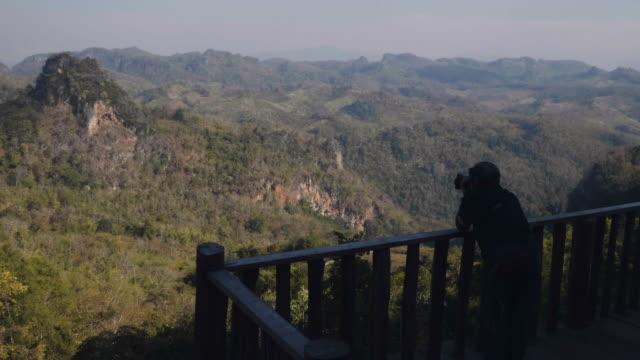 Reis bestemmingen Senior vrouwen nemen van foto in Big Mountain