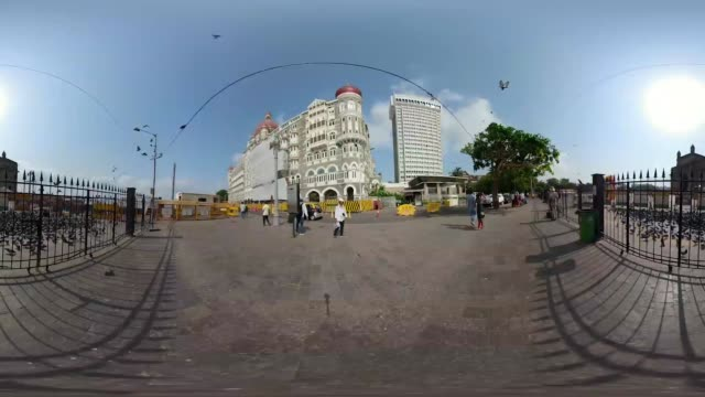 travel the streets of mumbai in a 360 experience - 360 stock videos & royalty-free footage