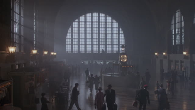 stockvideo's en b-roll-footage met travelers walk around in buffalo central terminal in new york. - publicatie