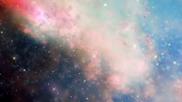 vídeos y material grabado en eventos de stock de traveling through a galaxy and star fields in outer space - astrología