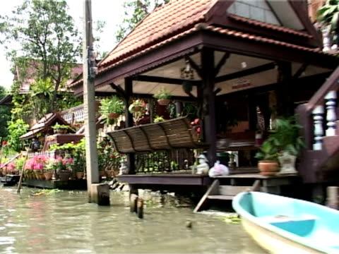 vidéos et rushes de voyage en bateau  - cahute