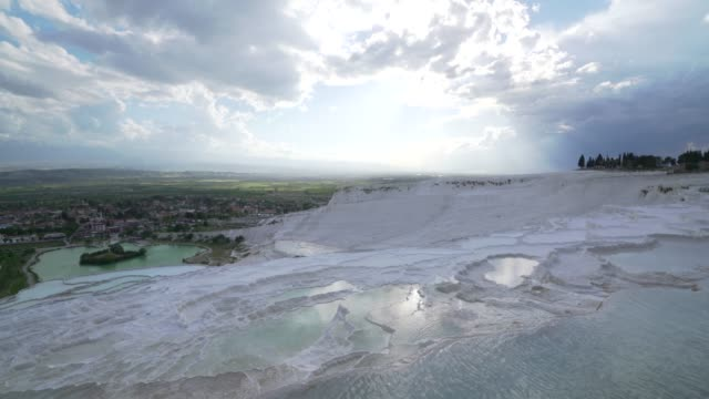 vidéos et rushes de piscines travertines à l'ancienne hierapolis à pamukkale à denizli - unesco