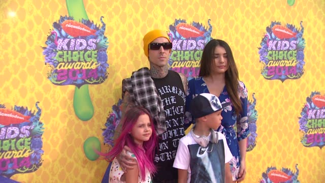 stockvideo's en b-roll-footage met travis barker at nickelodeon's 27th annual kids' choice awards at usc galen center on march 29 2014 in los angeles california - travis barker