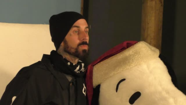 stockvideo's en b-roll-footage met travis barker at the knott's berry farm's countdown to christmas snoopy's merriest tree lighting in buena park at celebrity sightings in los angeles... - travis barker