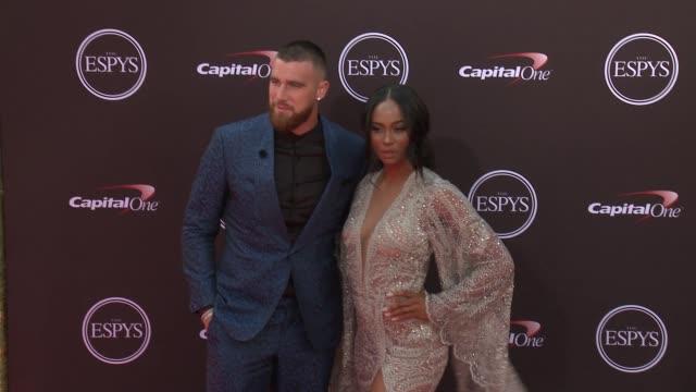 vídeos de stock, filmes e b-roll de travis kelce and kayla nicole at the 2018 espys at microsoft theater on july 18 2018 in los angeles california - espy awards