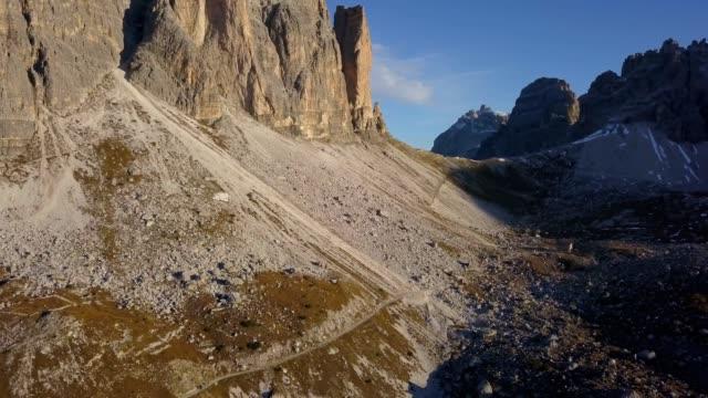 tre cime di lavaredo,dolomite alps, panorama, italy. - tre cimo di lavaredo stock videos & royalty-free footage