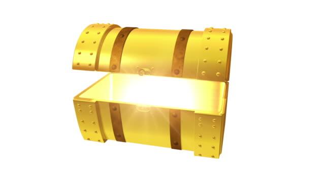vídeos y material grabado en eventos de stock de oro de tórax del tesoro apertura sobre blanco - antigüedades