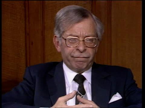 "joel barnett interview; england: london: joel barnett intvw sof: ""as permanent secretary -- even the prime minister"" video ex eng... - 内閣改造点の映像素材/bロール"