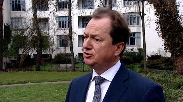 treasury unveil national loan guarantee scheme london 2 shot reporter with phillip monks phillip monks interview sot step in right direction reporter... - ローラ・クエンスバーグ点の映像素材/bロール