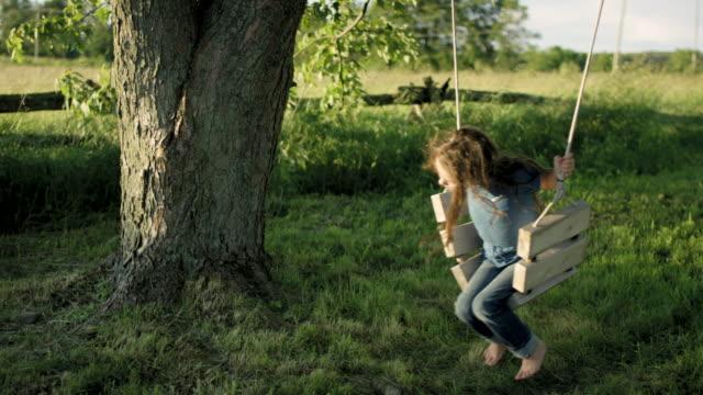 träd swing - mysig bildbanksvideor och videomaterial från bakom kulisserna