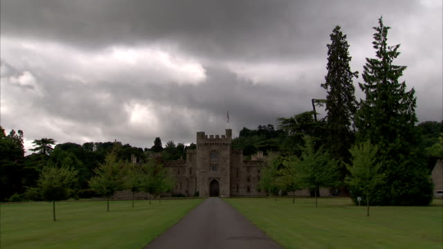 trees surround hampton court castle in herefordshire. available in hd. - herefordshire stock videos & royalty-free footage