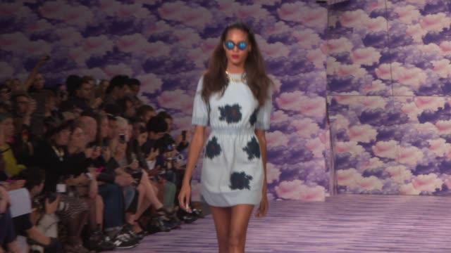 vídeos de stock, filmes e b-roll de trends london fashion week ss14 on september 18, 2013 in london, england - 2013