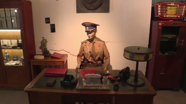 vídeos y material grabado en eventos de stock de tres decadas despues de la caida de la union sovietica el fantasma de la kgb aun sigue rondando la cabeza de muchos - ee.uu