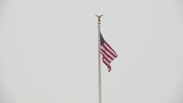 vídeos y material grabado en eventos de stock de a tres dias de la llegada de la primavera los habitantes de washington y estados del este de estados unidos estuvieron este lunes bajo la nieve - ee.uu