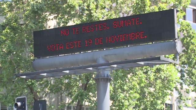 vídeos y material grabado en eventos de stock de tres dias de las elecciones los chilenos viven indiferentes ante los comicios que renovaran el congreso y podrian llevar de nuevo a la derecha al... - llevar
