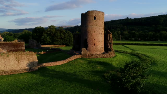 vidéos et rushes de tretower castle, wales, united kingdom - pays de galles