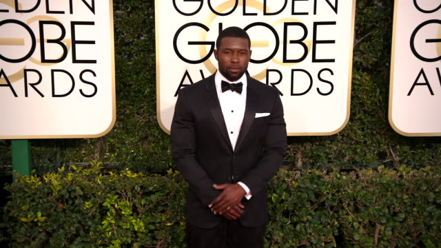 trevante rhodes at 74th annual golden globe awards arrivals at the beverly hilton hotel on january 08 2017 in beverly hills california 4k - ビバリーヒルトンホテル点の映像素材/bロール