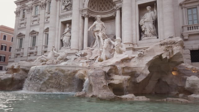 trevi fountain, rome, italy - 17th century stock videos & royalty-free footage